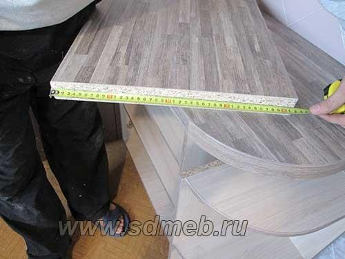 kak-sostykovat-stoleshnicy-pod-pryamym-uglom1