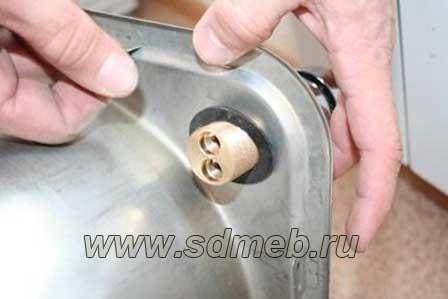 как установить смеситель на кухню
