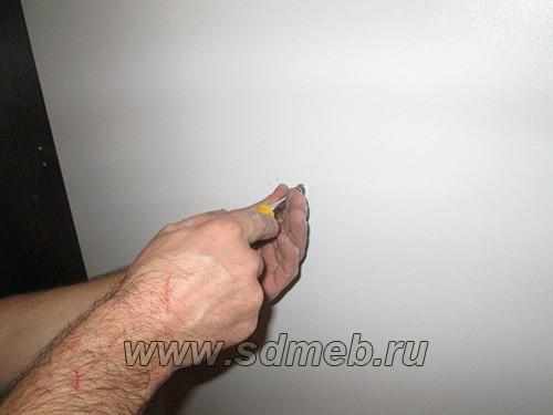 kreplenie-kuxonnyx-shkafov-k-stene5